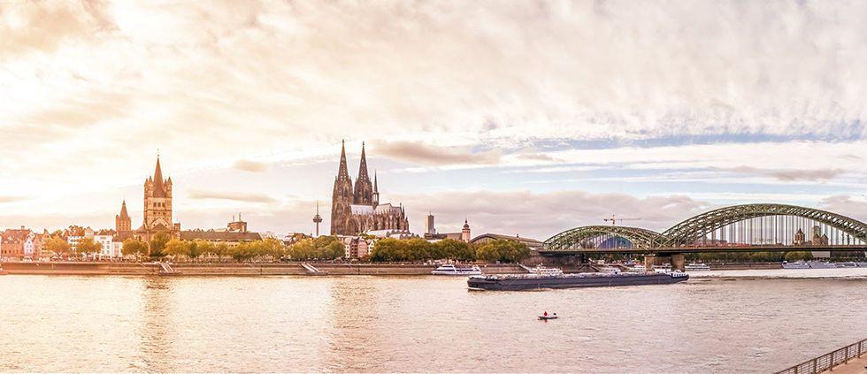 Kölner Skyline am Tag